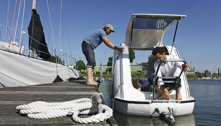 docking the sealander