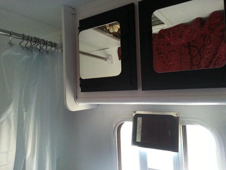 bathroom paint and shower curtain