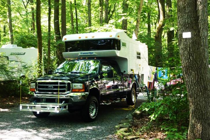 camper looking like new