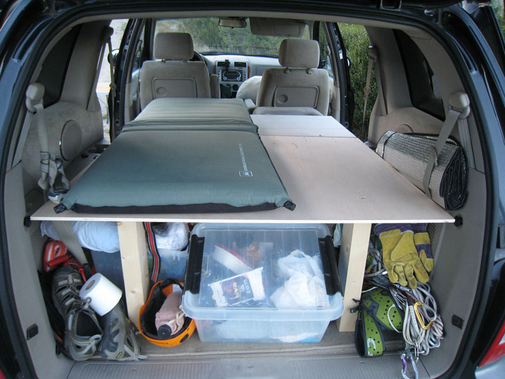 Makeshift Rv From Family Van Takes Minutes To Setup