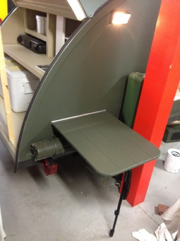 Fold out table