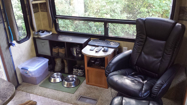 new captain's chair