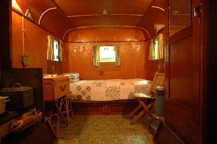 1934HammerBlow-Camper-Wallace2
