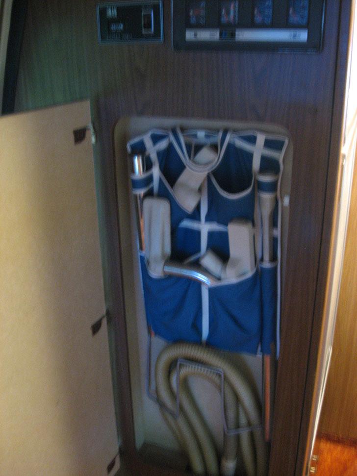 vacuum closet