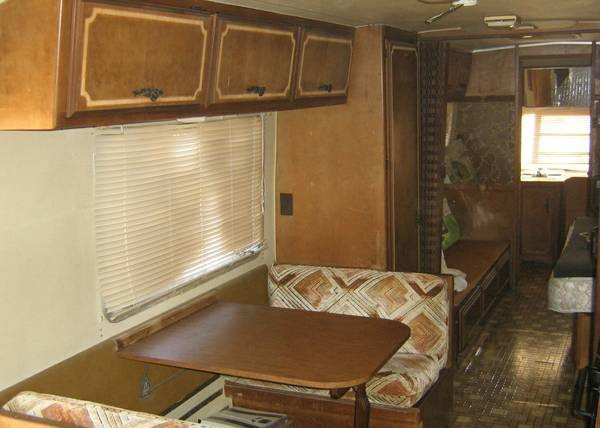Original interior of a 1984 Avion La Grande