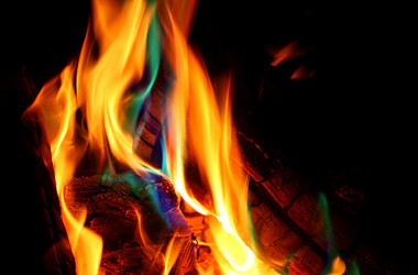 How To Change The Color Of Your Campfire's Flames