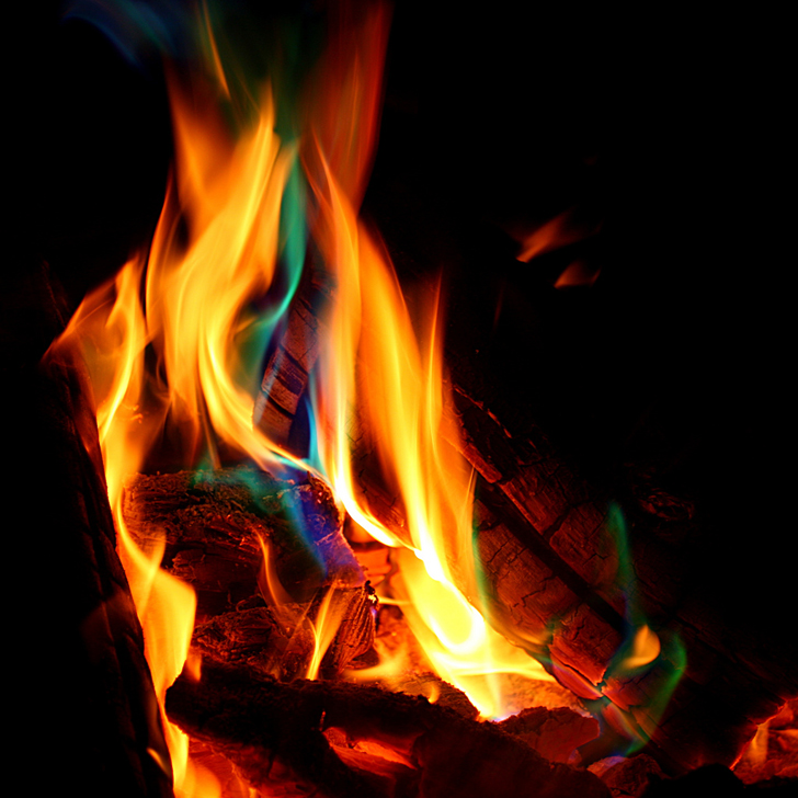 Three Tricks To Change The Color Of Your Campfire