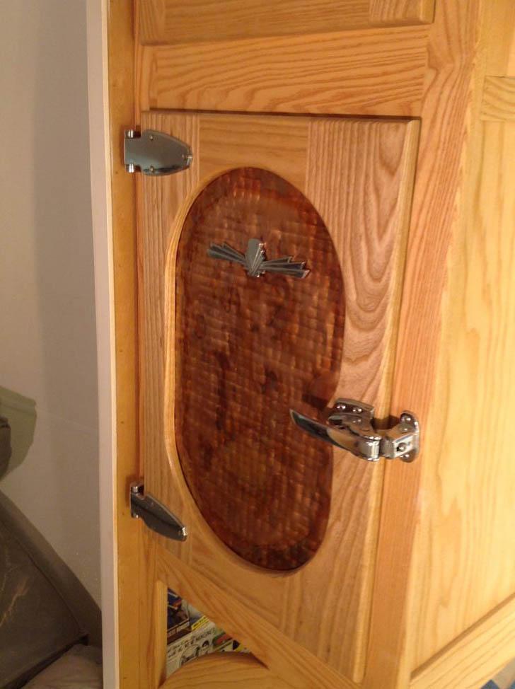 fridge door detail