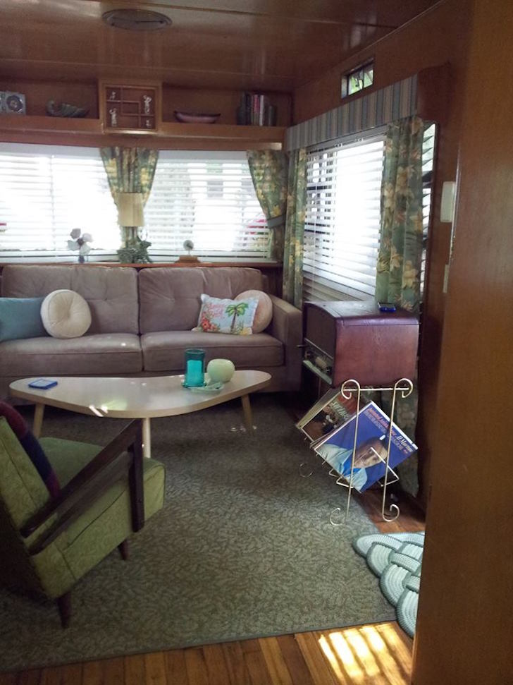 1955 Smoker Aristocrat Mobile Home Could Be A Movie Set