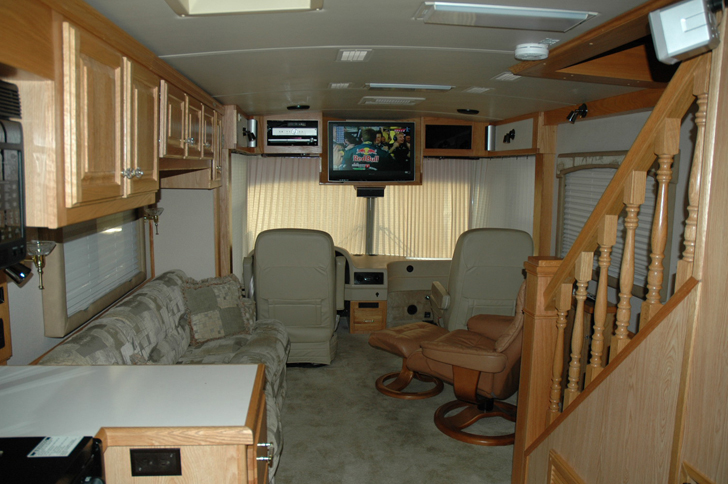 Nothing tops the features of this airstream skydeck for Rv motor home rentals