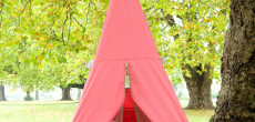 This Swinging Tree Tent For Kids Is A Must-See