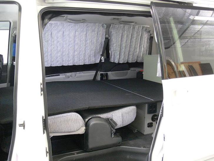 sturdy double bed platform