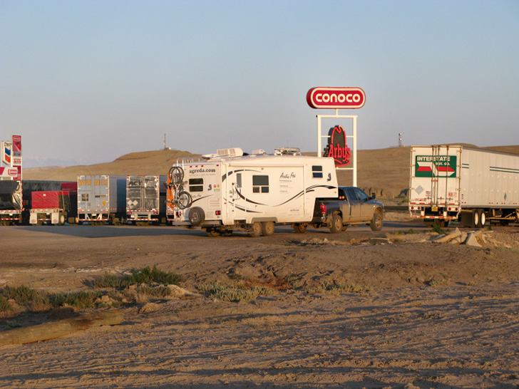 RV Parking at Truck Stops
