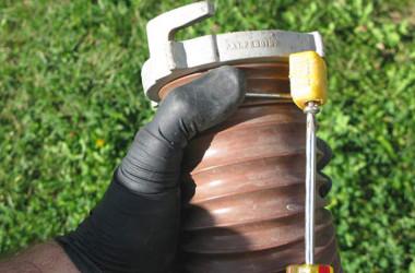 RV sewer hose end repair