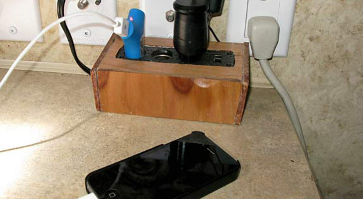 Keep Your Electronic Devices Charged With This Easy DC Power Strip Mod For RVs