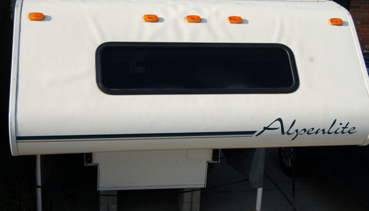 RV sidewall delamination