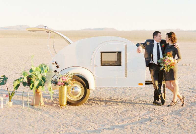 FloraPop-Vegas-Weddings-TeardropTrailer7