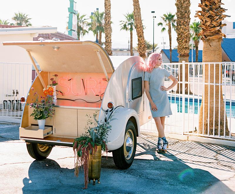 FloraPop-Vegas-Weddings-TeardropTrailer8