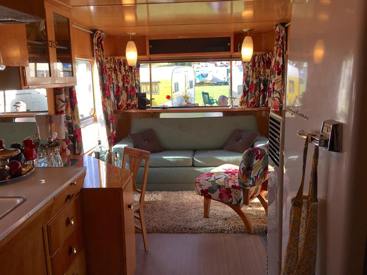 Flyte-Camp-vintage-trailer-interior