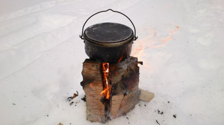 make a Swedish fire torch