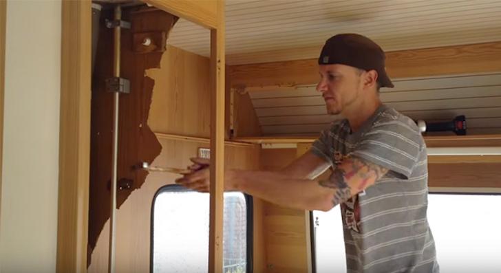Gutting trailer