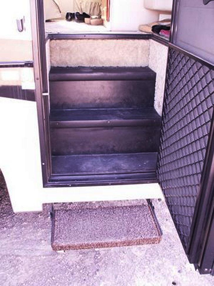 storage stairs closed
