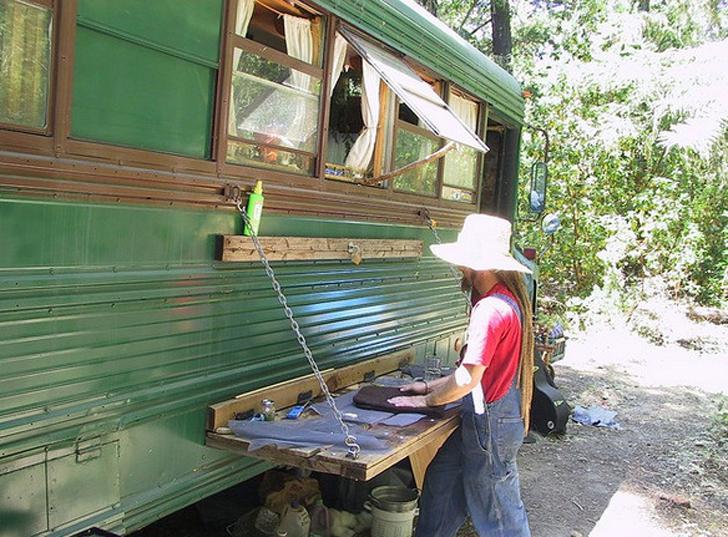 exterior gypsy bus