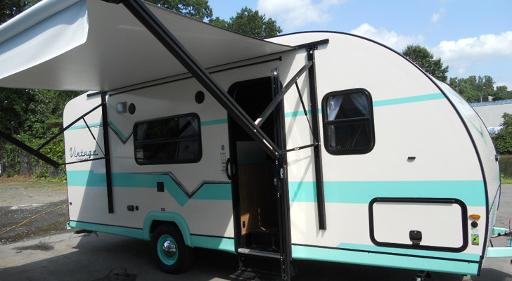 This Modern Vintage Trailer Will Take You Back To The '50s