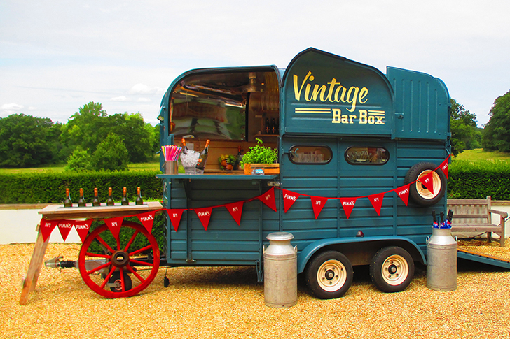 Horse-Box-Festival-Bar-Hire