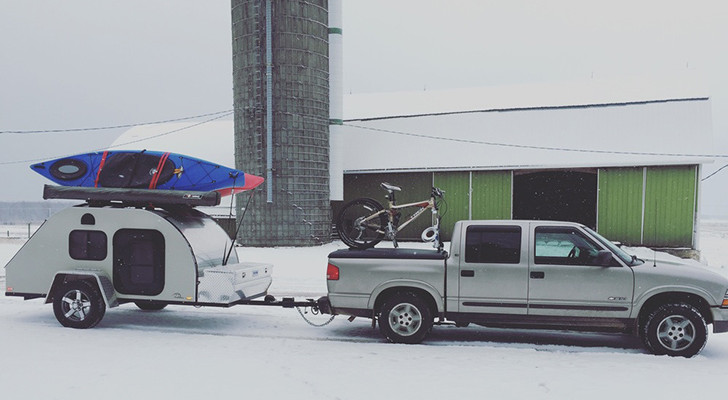 A Young Couple Quit Their Jobs To Live Out Of A Teardrop Trailer For An Entire Year