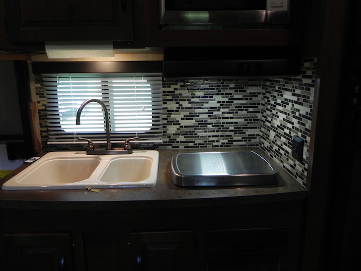 Camper S Kitchen And Bathroom Get Adhesive Tiles