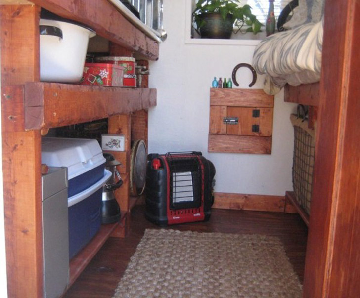 space between bed and kitchen