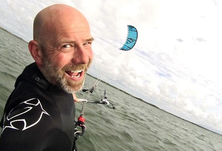 Andrew kitesurfing