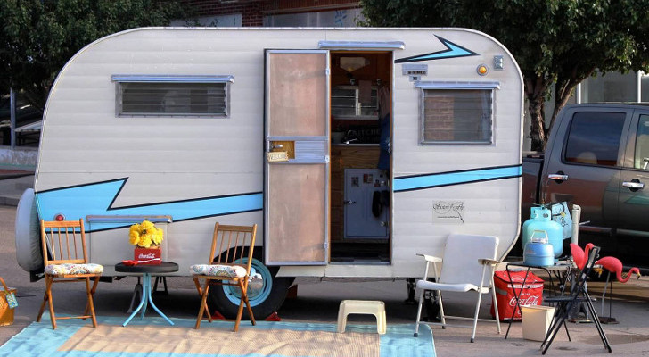 restoring vintage trailers
