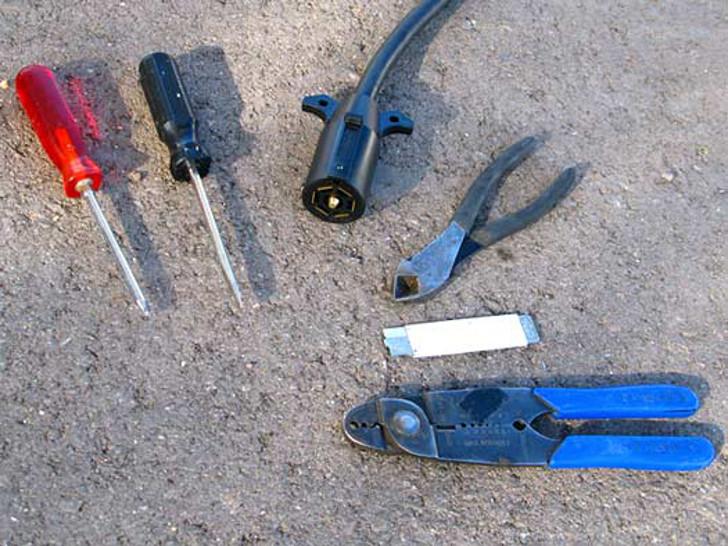 7-Pin trailer cord plug repair