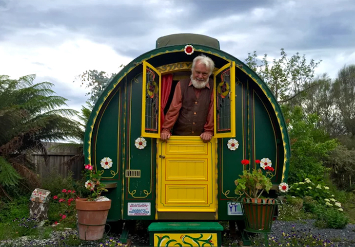 BasilSmith-GypsyWagons-StuartHobson-Vimeo 1