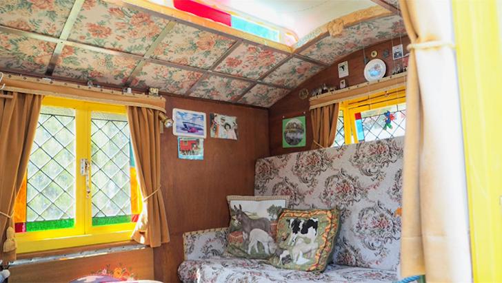 BasilSmith-GypsyWagons-interior 1
