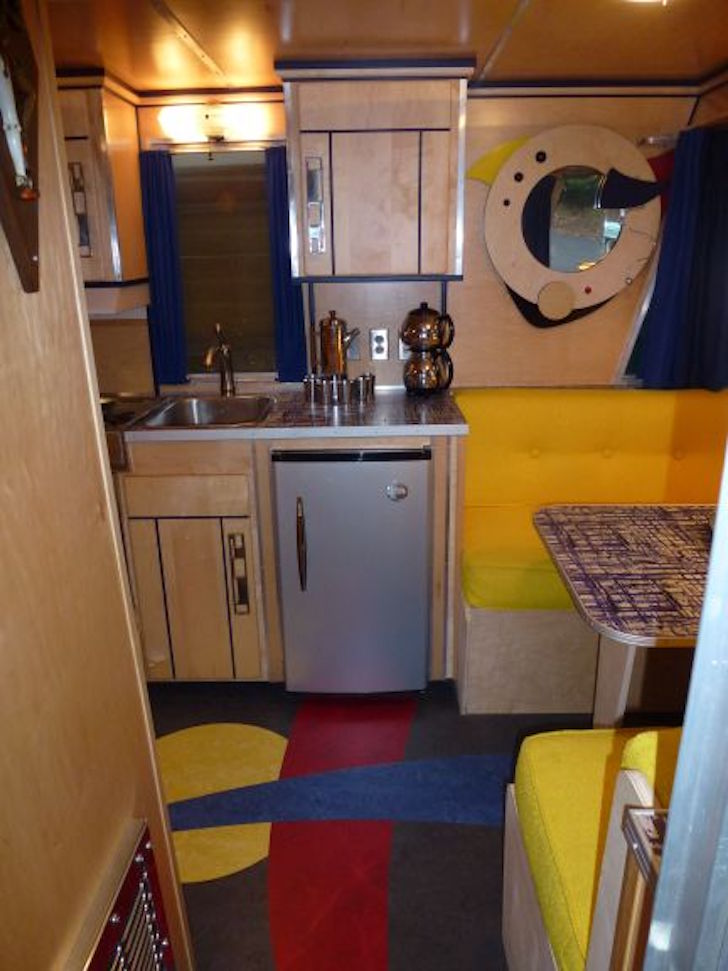 Holiday Rambler renovated interior