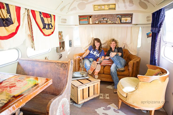 JunkGypsy-DierksBentley-AprilPizano-Airstream1.jpg