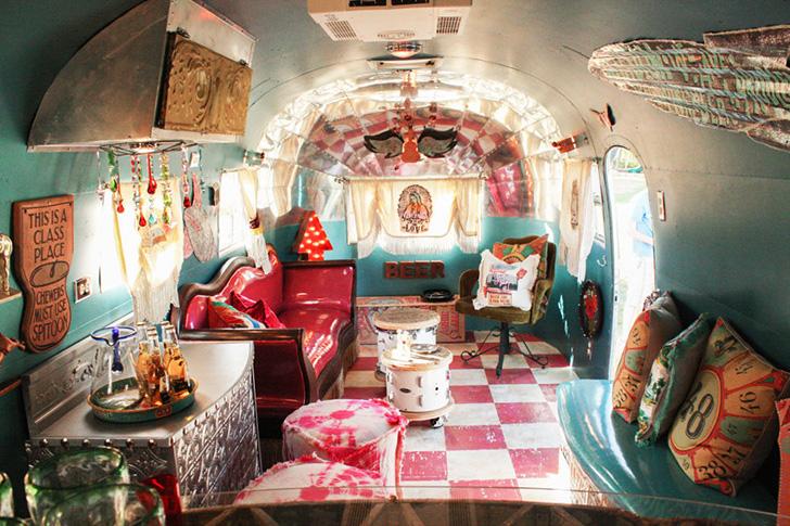 JunkGypsy-MirandaLambert-Airstream