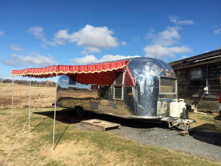 martisawnings-trailers-vintage-Airstream