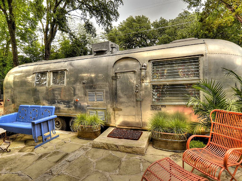 5 Rooftop And Backyard Airstreams For Diy Inspiration
