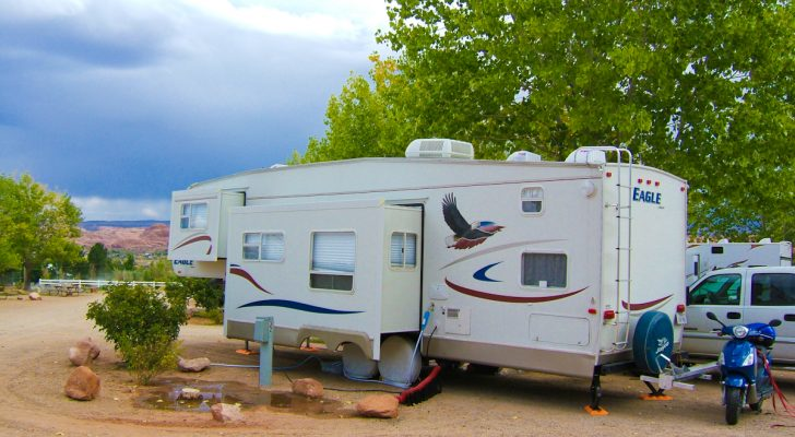 The Pros And Cons Of Fifth Wheel Trailers