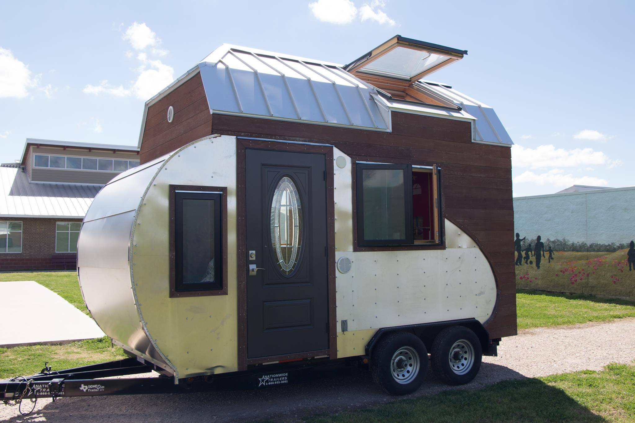 Teardrop trailer combined with a tiny house on wheels for Small homes built on trailers