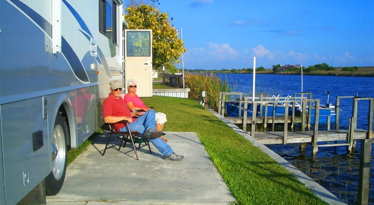 Tiny House Style RVs Welcome At This Beautiful Florida Park