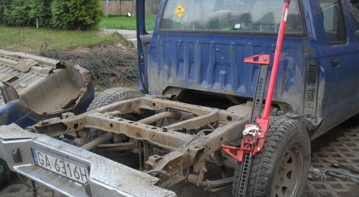 Challenge: Build A Narrow Truck Camper Inside The Truck's Wheelbase