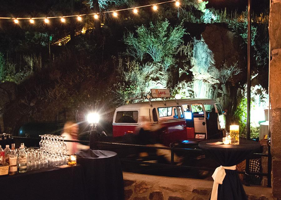 PhotoLoveBus-weddingnight
