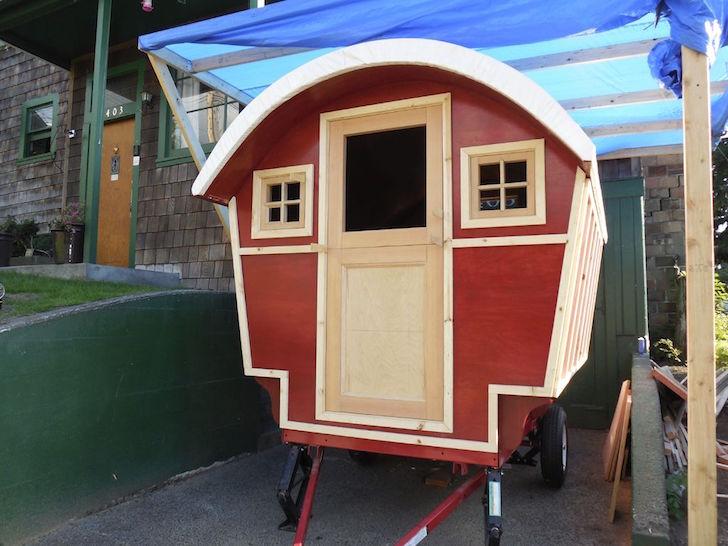 Gypsy wagon with trim