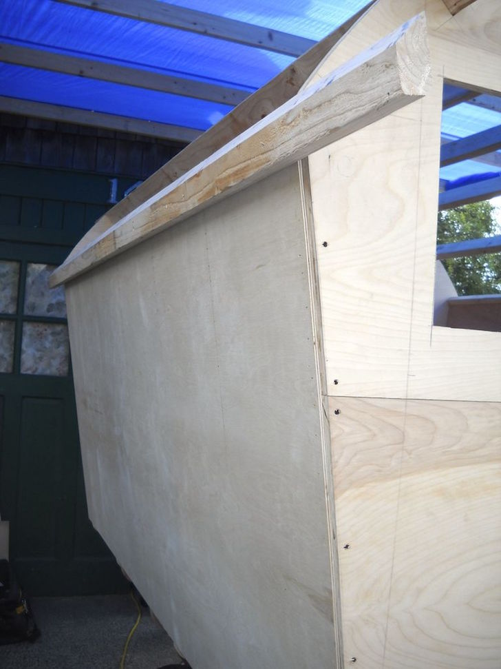 Plywood walls on homemade trailer