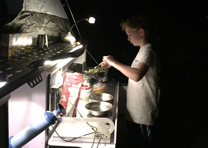 taxa-woollybear-kitchen